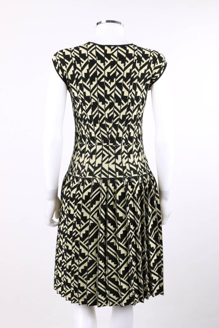 Women's ETRO Black & Soft Yellow Geometric Knit Drop Waist Pleated Cocktail Dress NWT For Sale