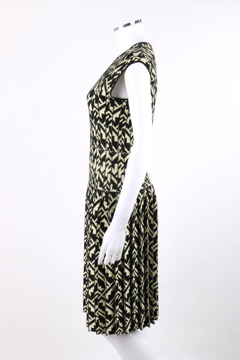 ETRO Black & Soft Yellow Geometric Knit Drop Waist Pleated Cocktail Dress NWT For Sale 1
