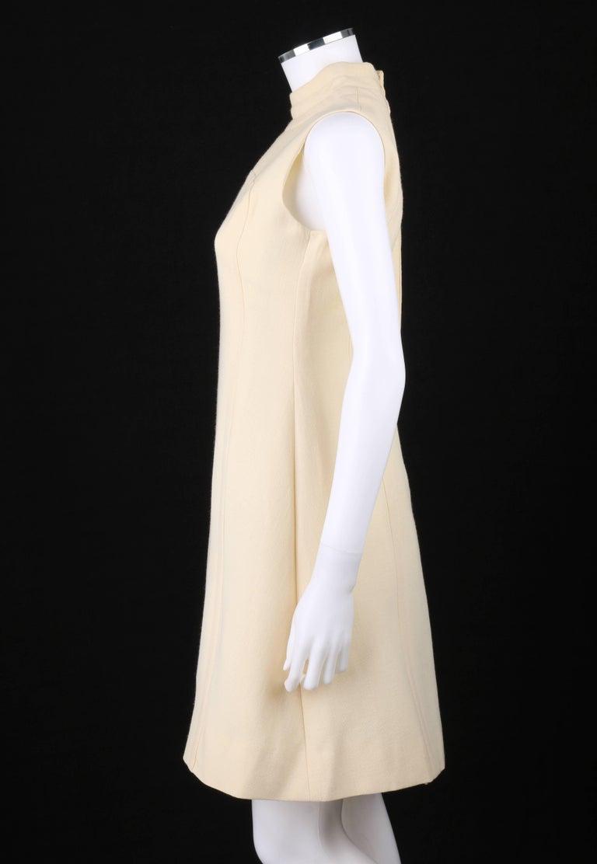 ELEGANCE Paris c.1960's Cream Wool Sleeveless Mod A Line Cocktail Dress For Sale 1