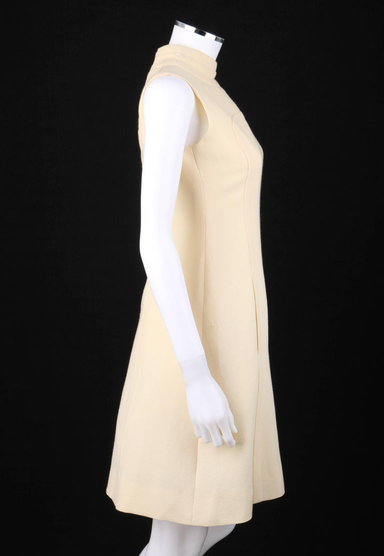 ELEGANCE Paris c.1960's Cream Wool Sleeveless Mod A Line Cocktail Dress In Excellent Condition For Sale In Thiensville, WI