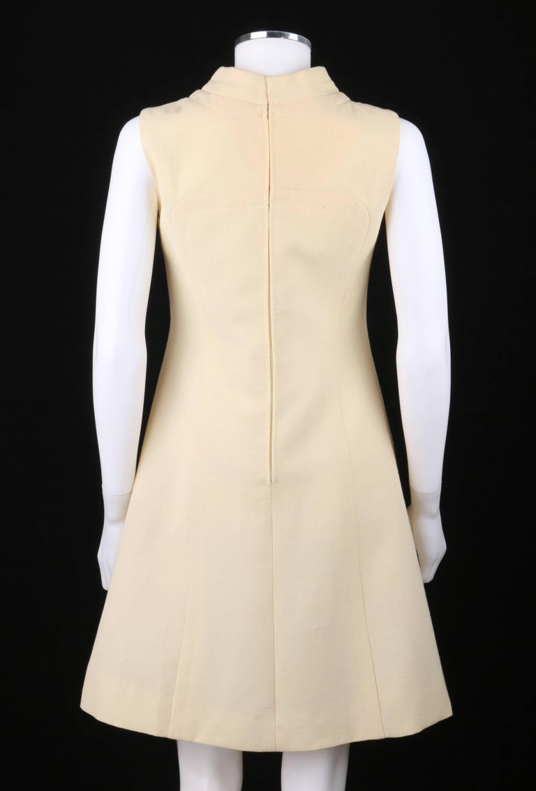 Women's ELEGANCE Paris c.1960's Cream Wool Sleeveless Mod A Line Cocktail Dress For Sale