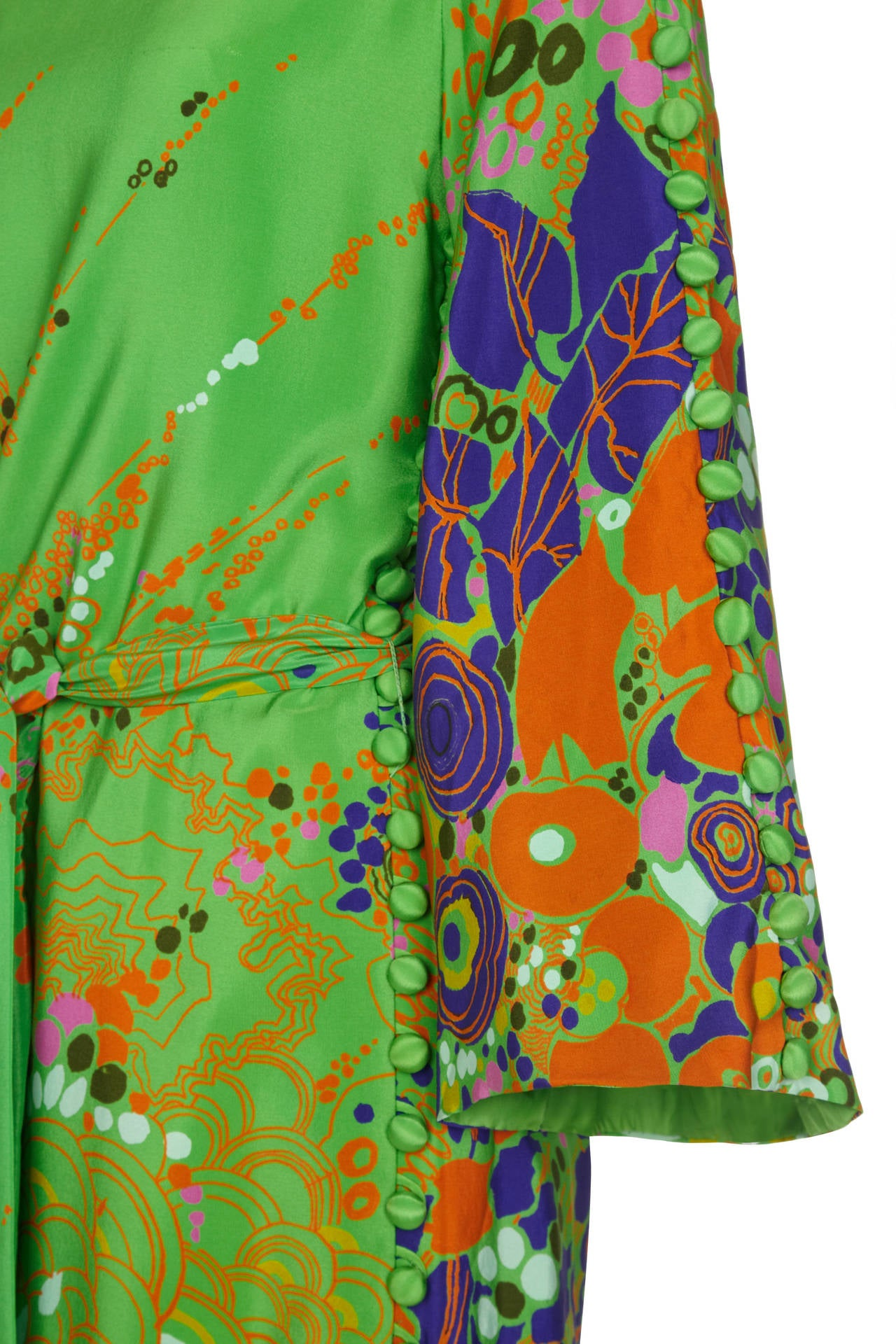 1960s Floral Print Green Dress With Button Detail In Excellent Condition For Sale In London, GB