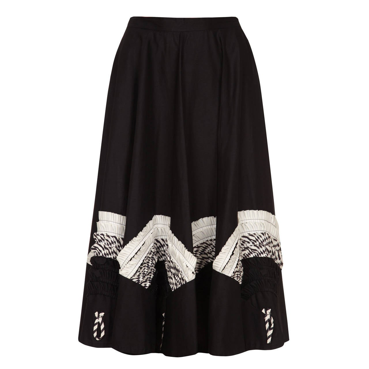 1950s Black Circle Skirt With Monochrome Applique For Sale