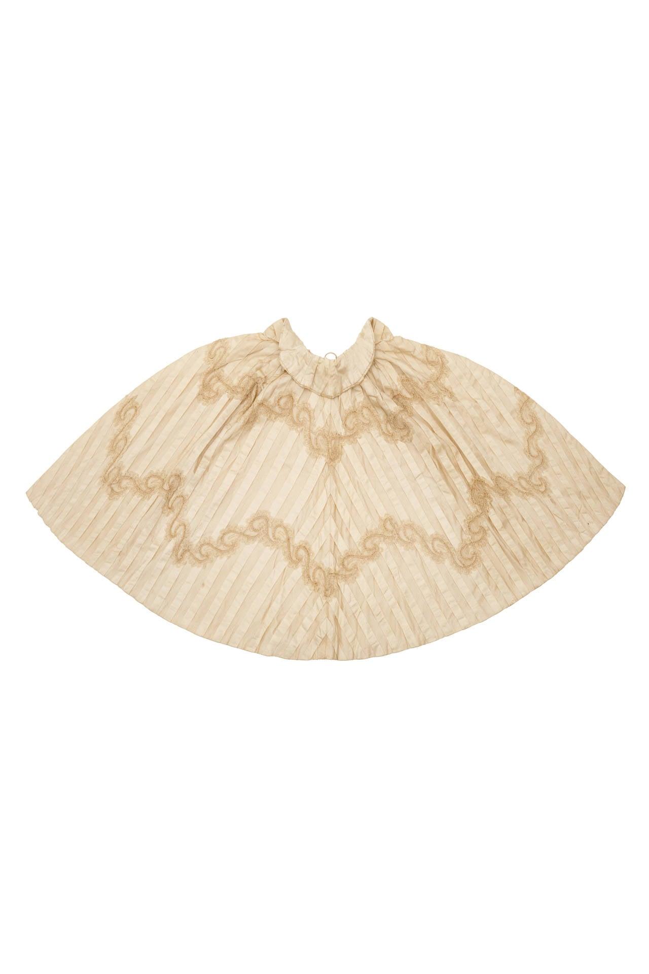 Victorian Cream Silk Cape 3