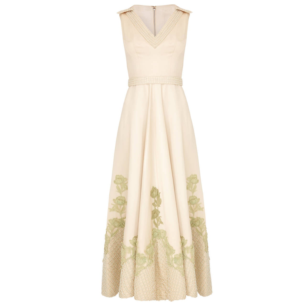 Exceptional 1950s Couture Made Cream Silk Gown For Sale