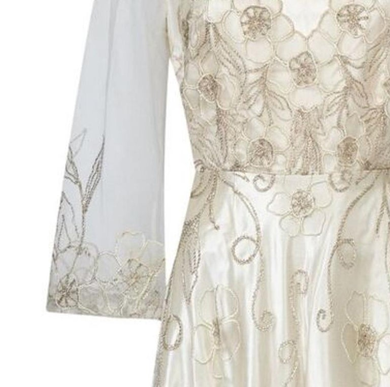 Women's Late 1950s Ivory Wedding Dress With Delicate Embroidery Sold With Original Box For Sale
