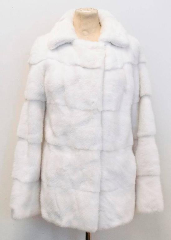 Lilly e Violetta White Natural Mink Fur Coat 4
