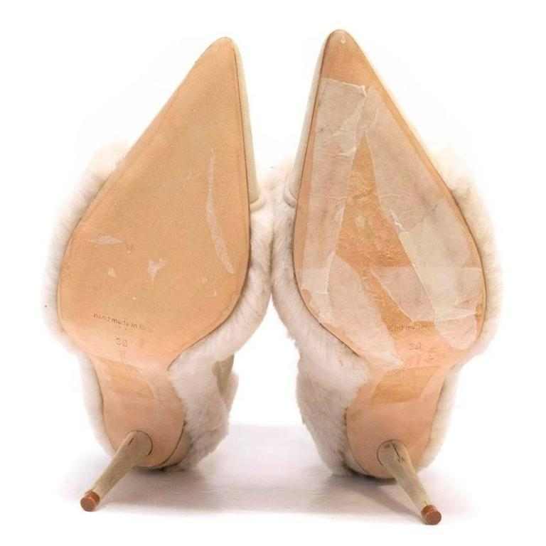 Manolo Blahnik Cream Pointed Boots With Shearling Fur And Suede For Sale 4