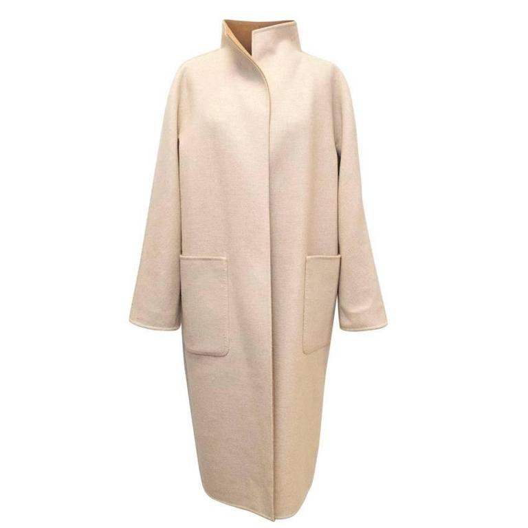 MaxMara Tan And Beige Reversible Coat In Excellent Condition For Sale In London, GB