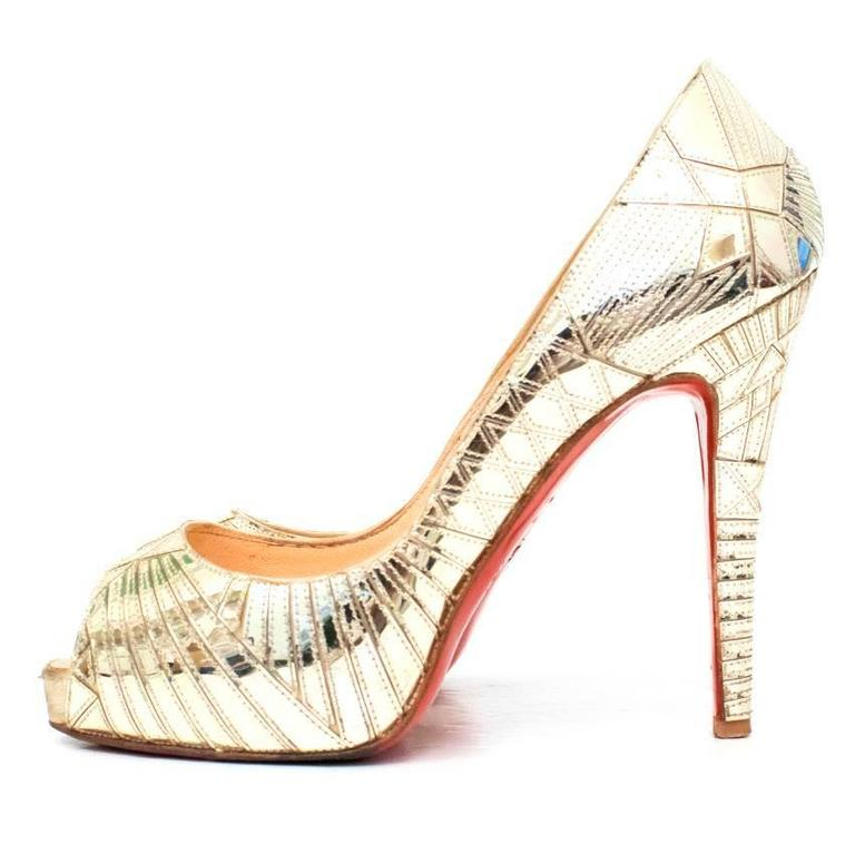 38f6cc743371 Women s Christian Louboutin Gold Patent Leather Peep Toe Heels For Sale