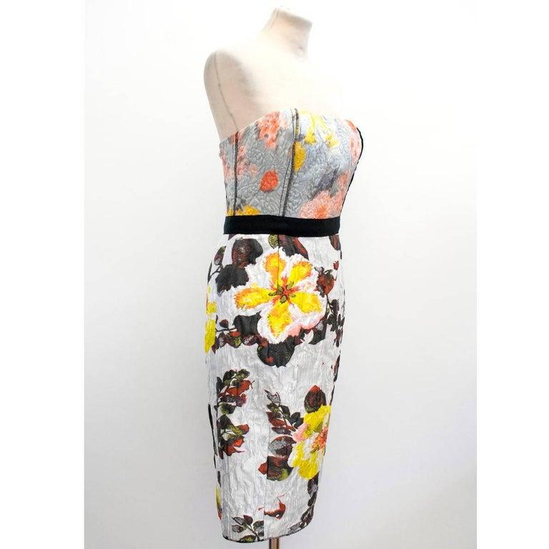 Beige Oscar de la Renta Floral Strapless Dress For Sale