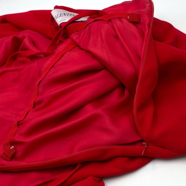 Valentino Red Silk V-Neck Gown US size 4 For Sale 2