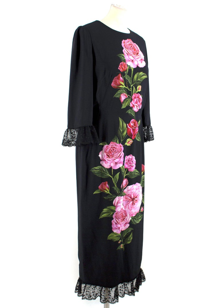 Dolce and Gabbana Rose Printed Lace Detail Midi Dress  - Beautiful rose print on the front of the dress - Black lace detailing has been added to the cuffs and hem - Cropped sleeves - Midi length - Round neckline - Concealed rear zip - 35cm split up