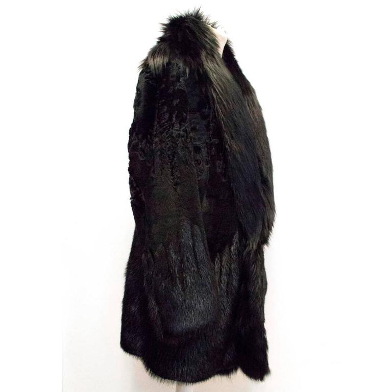 2ae37c862b5e2 Gucci Men s Black Fur coat With Leather Lining In New Condition For Sale In  London