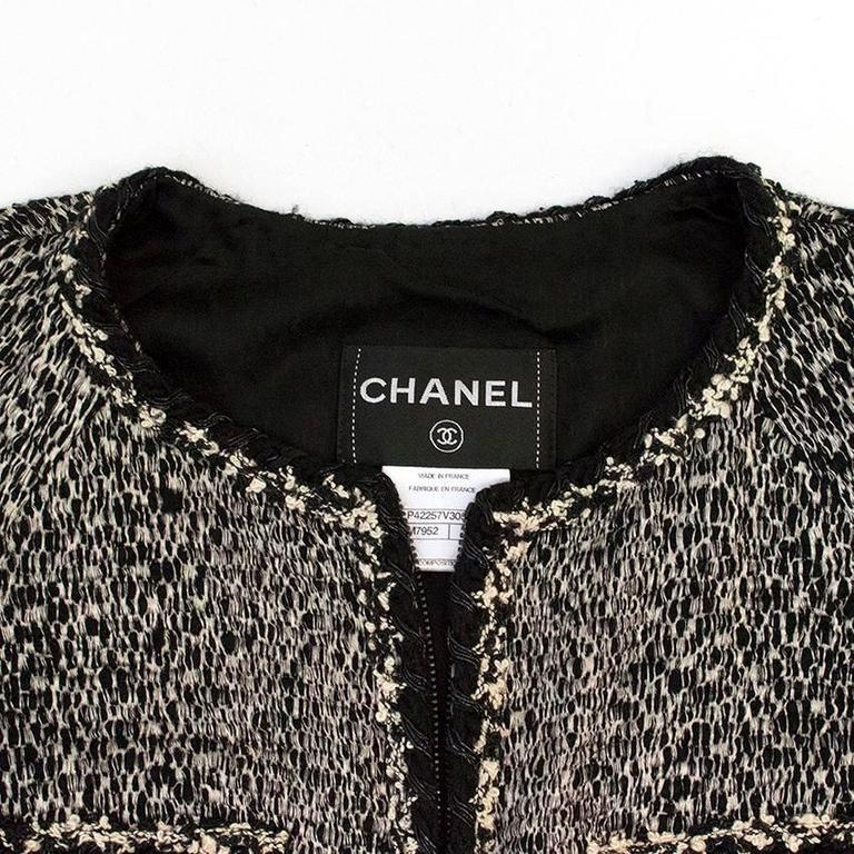 Chanel Black and White Tweed Jacket In Excellent Condition In London, GB