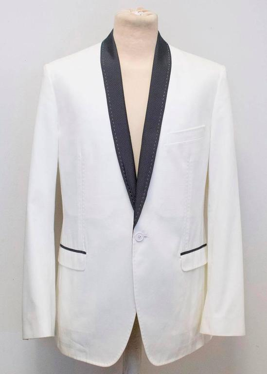 Dolce and Gabbana White Dinner Jacket with a Bow Tie For Sale 3