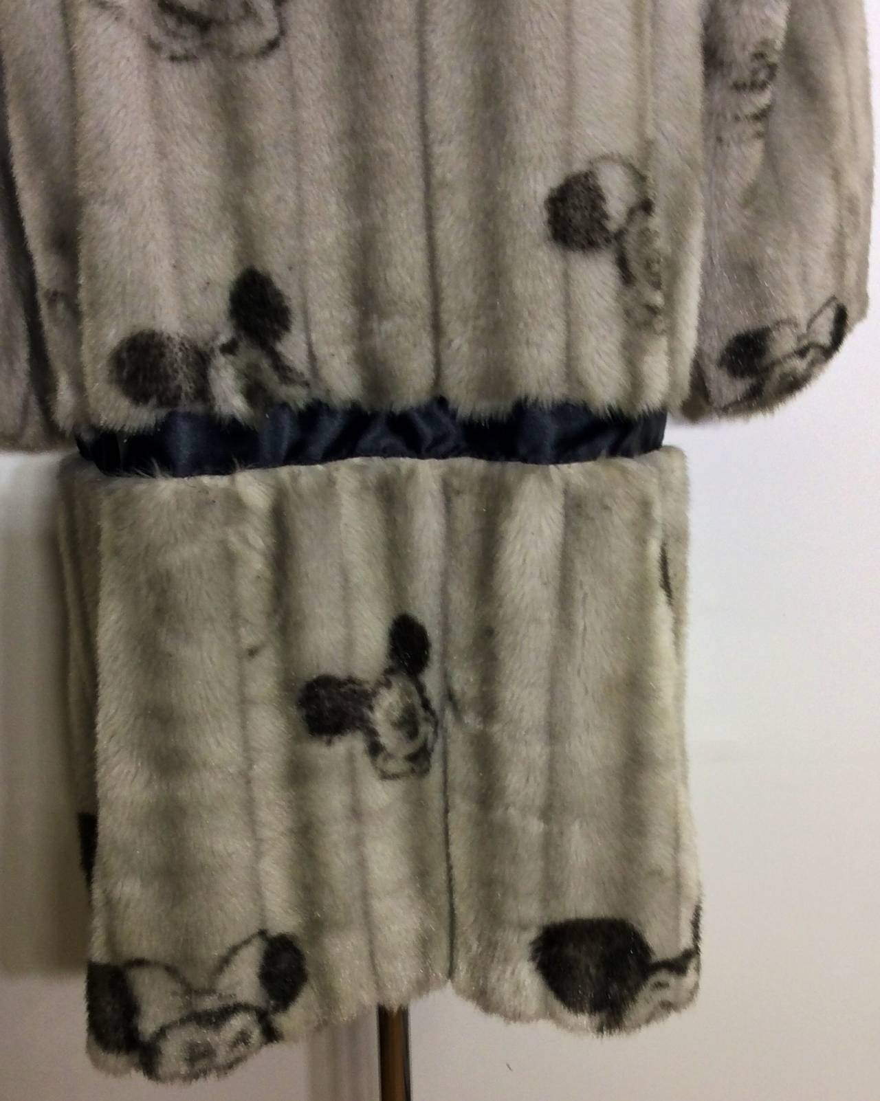 Vintage apparence paris mickey minnie disney faux fur for Apparence decoration
