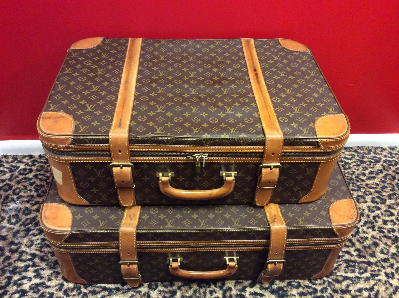 vintage louis vuitton luggage set the image kid has it. Black Bedroom Furniture Sets. Home Design Ideas