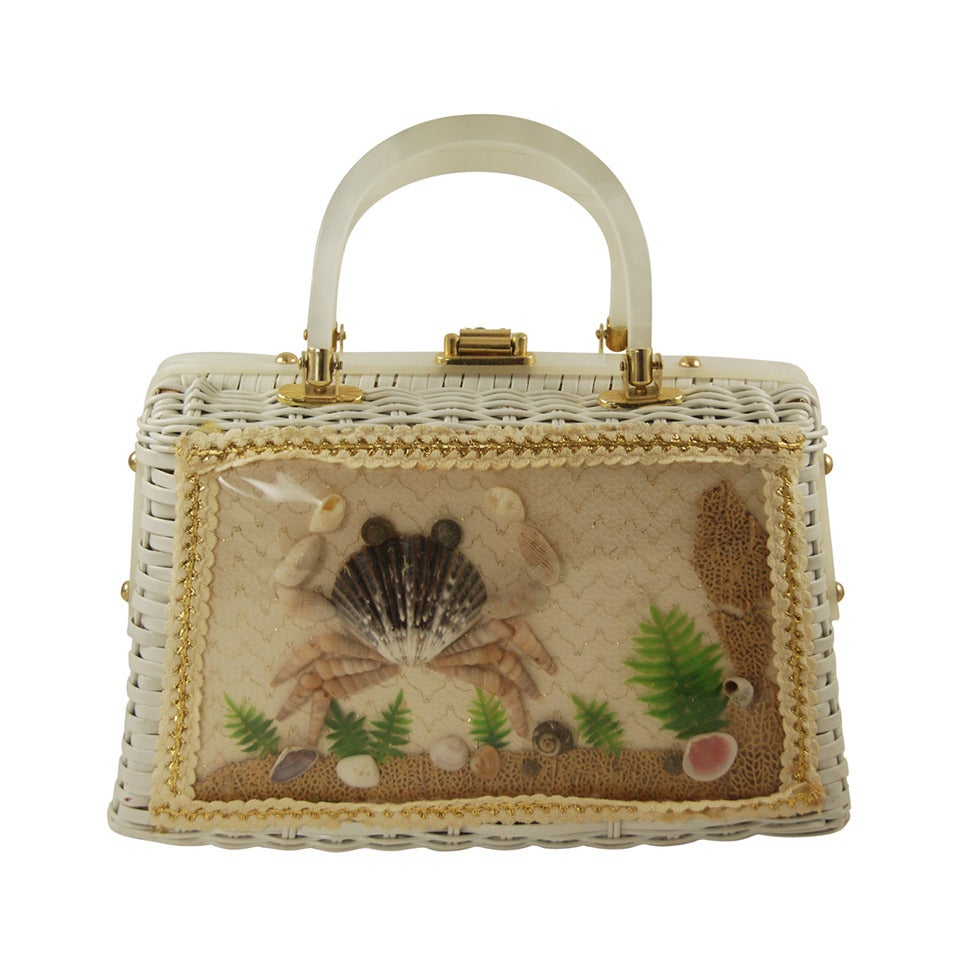 1960s White Wicker Handbag with Sea Shell Decorations at 1stdibs