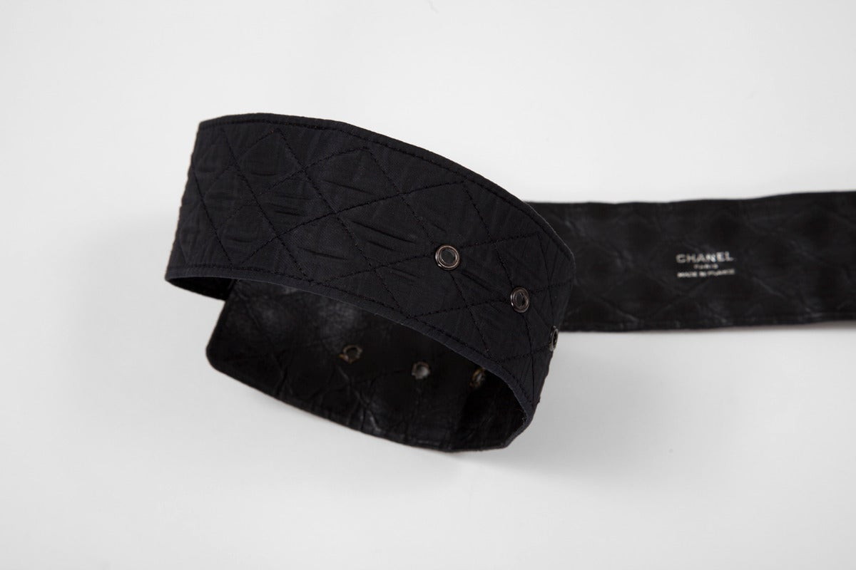 Chanel Leather & Silk Quilted Thick Belt In Excellent Condition For Sale In Geneva, CH