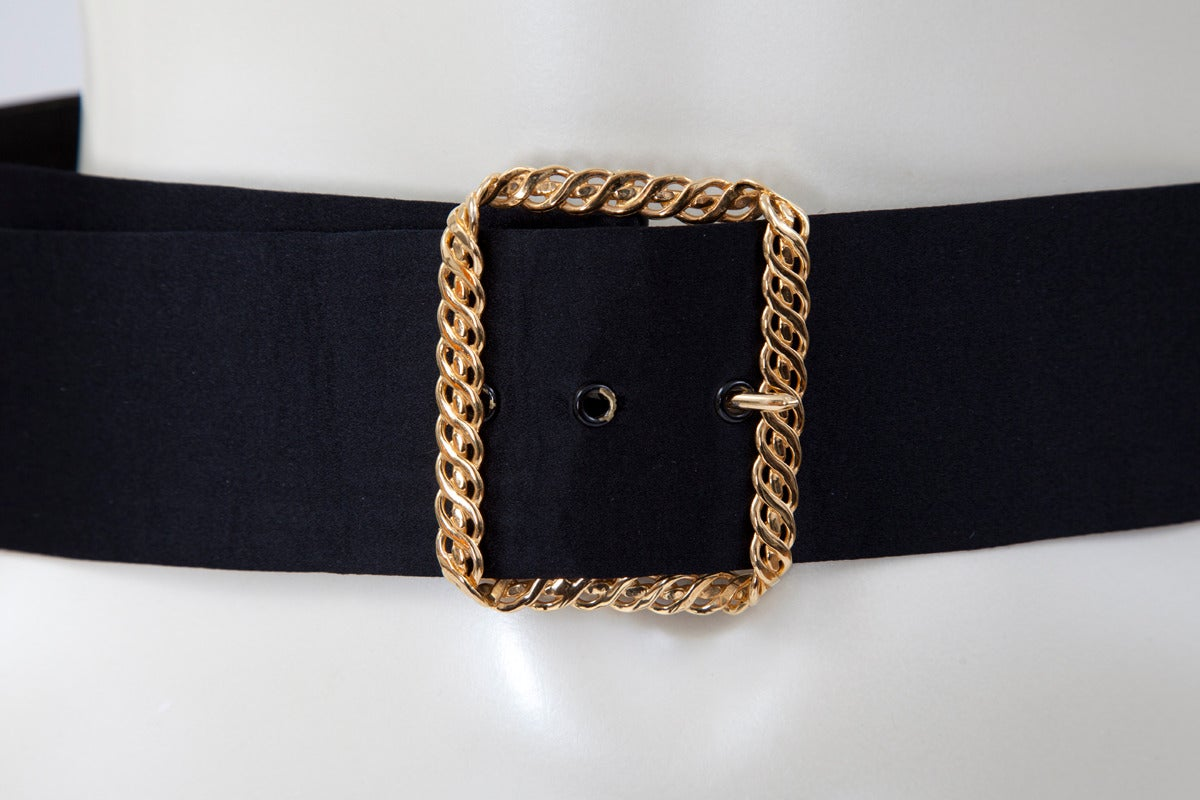 Chanel Bow-Embellished Leather & Silk Waist Belt, Spring-Summer 1993 In Good Condition For Sale In Geneva, CH