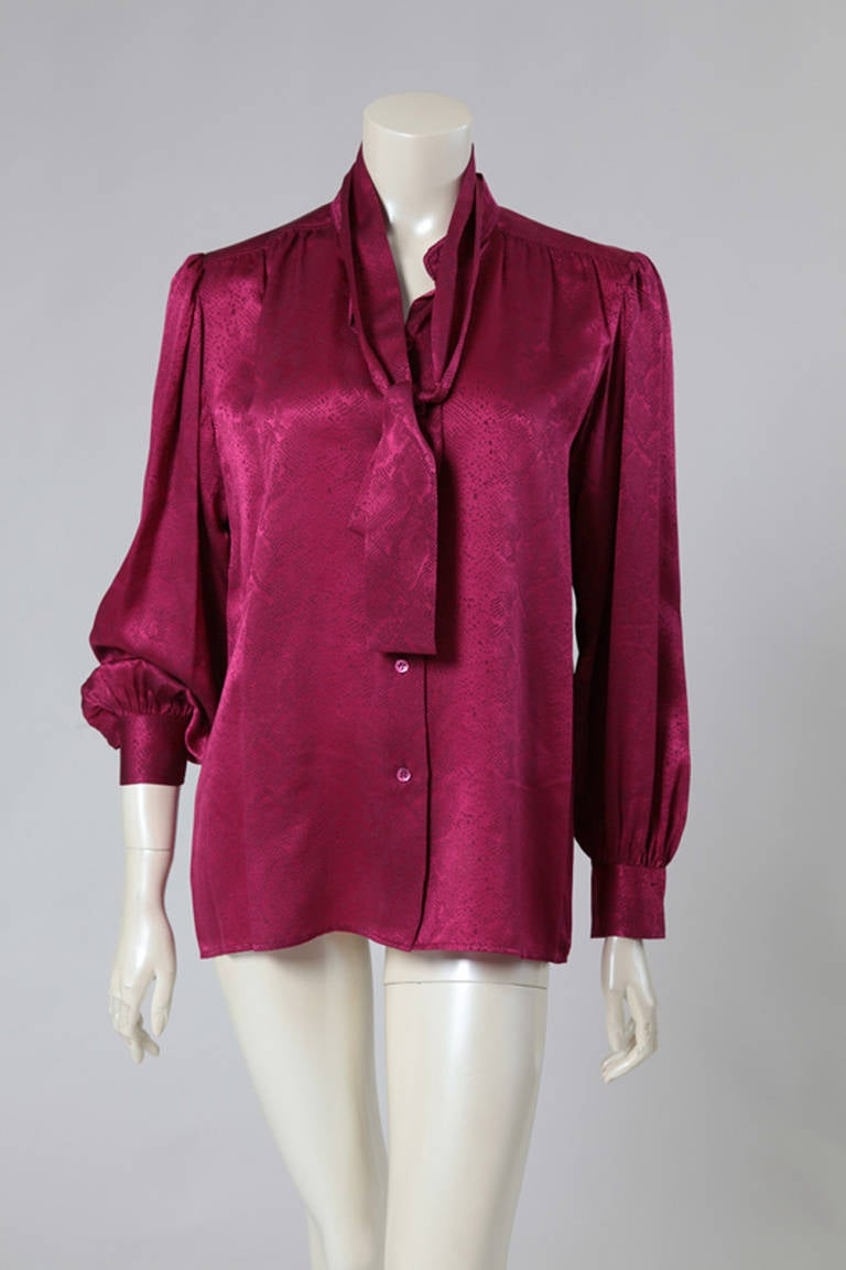 Late 70's - early 80's incredible silk jacquard snake skin like blouse. Optional removable tie, button down the front.