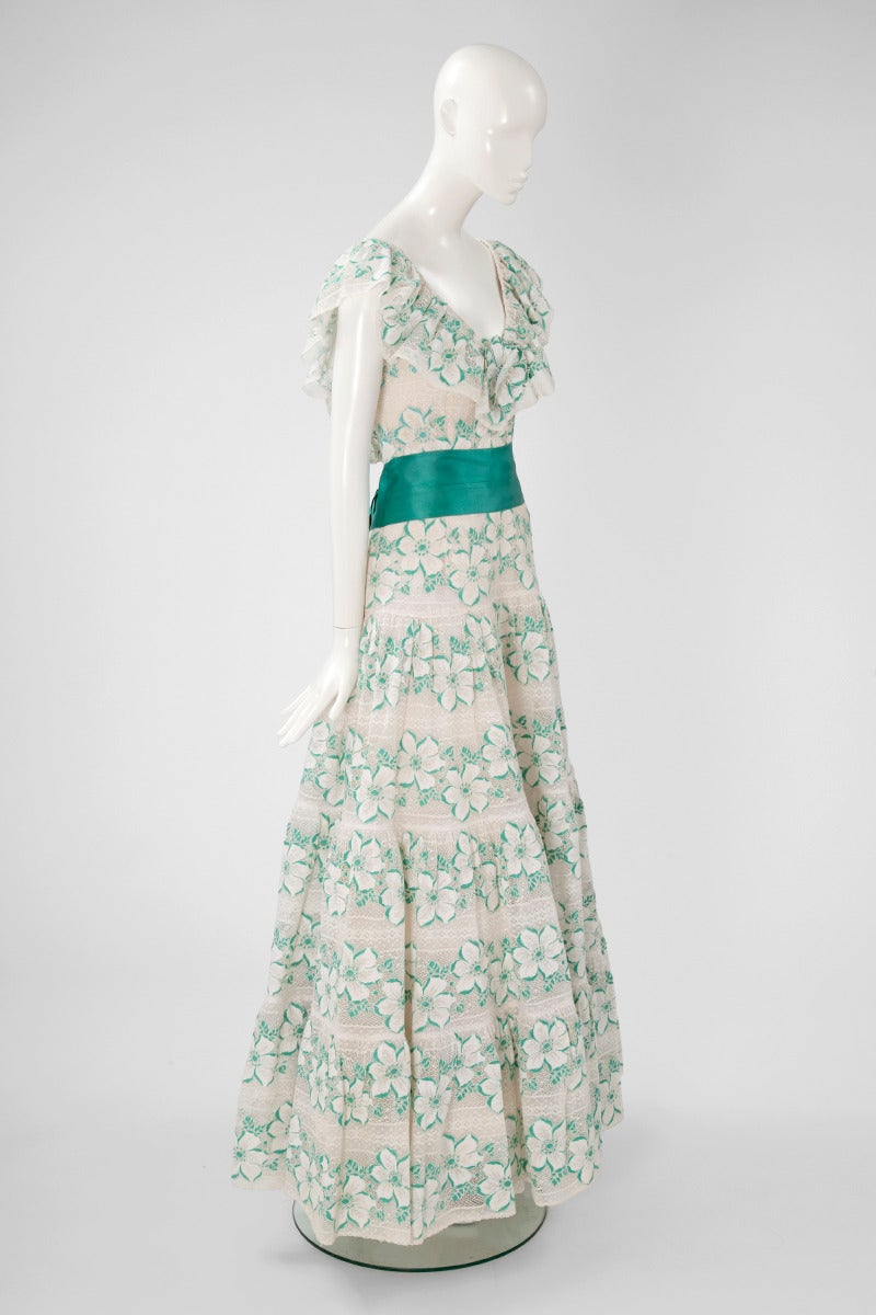 Women's Documented Chanel Haute Couture Guipure Lace Gown, Spring-Summer 1981 For Sale
