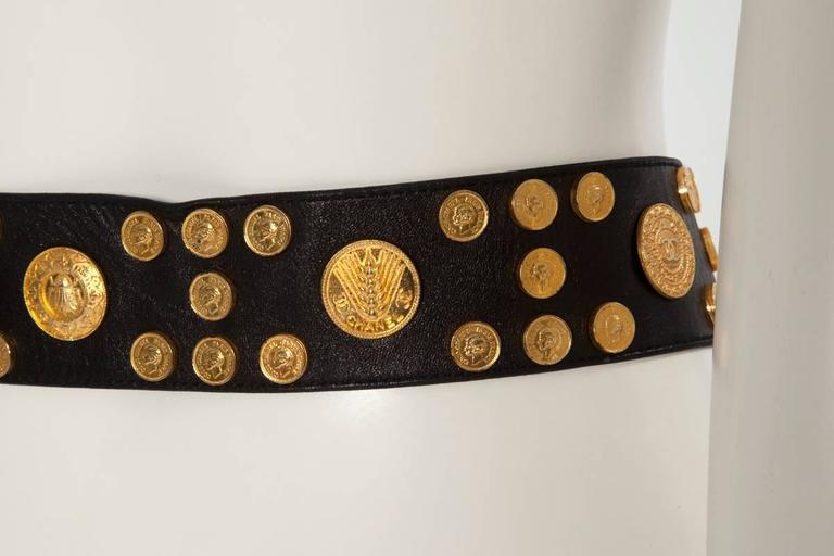 Chanel Leather Coins Belt In Good Condition For Sale In Geneva, CH