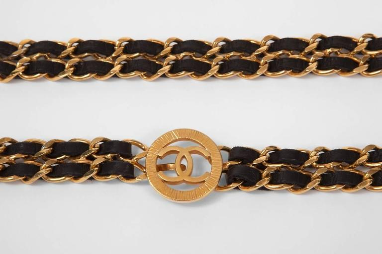 Chanel Goldtone & Leather Chain Belt  In Good Condition For Sale In Geneva, CH