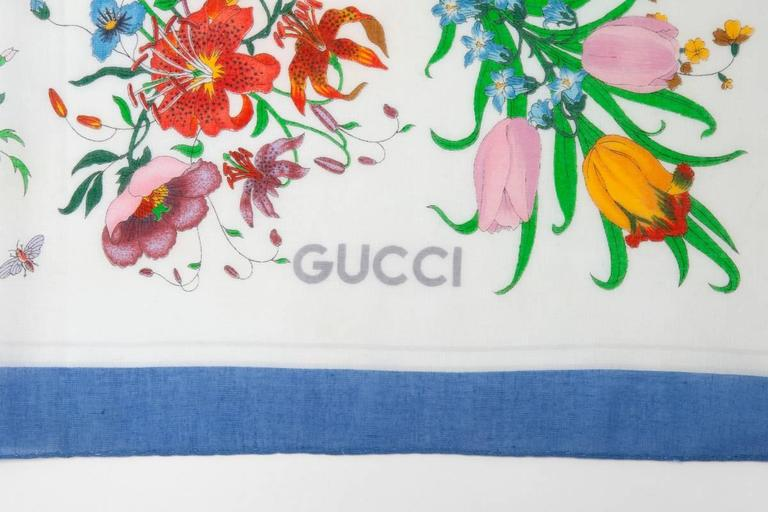 Large Gucci Flora Print Shawl Scarf In Excellent Condition For Sale In Geneva, CH