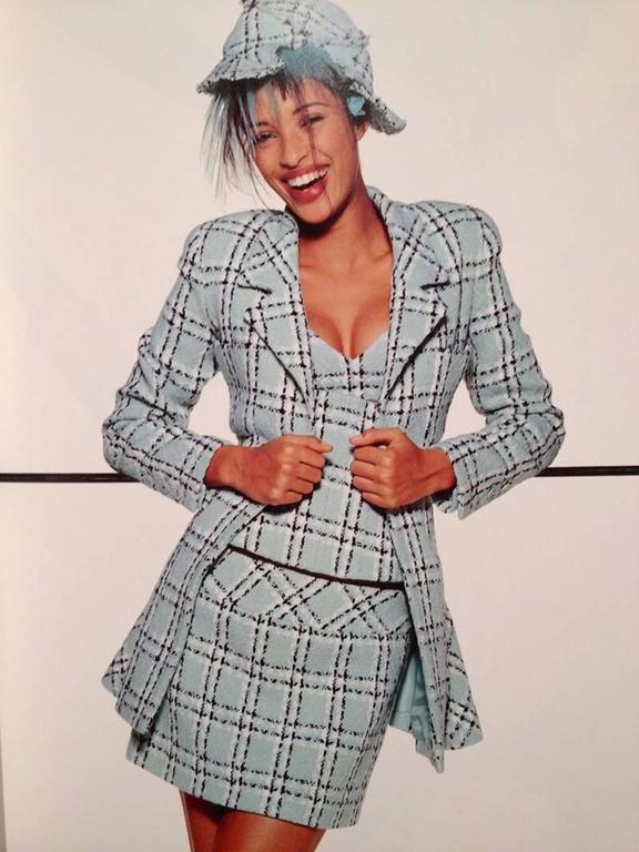 Chanel Tweed Long Jacket, Spring-Summer 1994 For Sale 5
