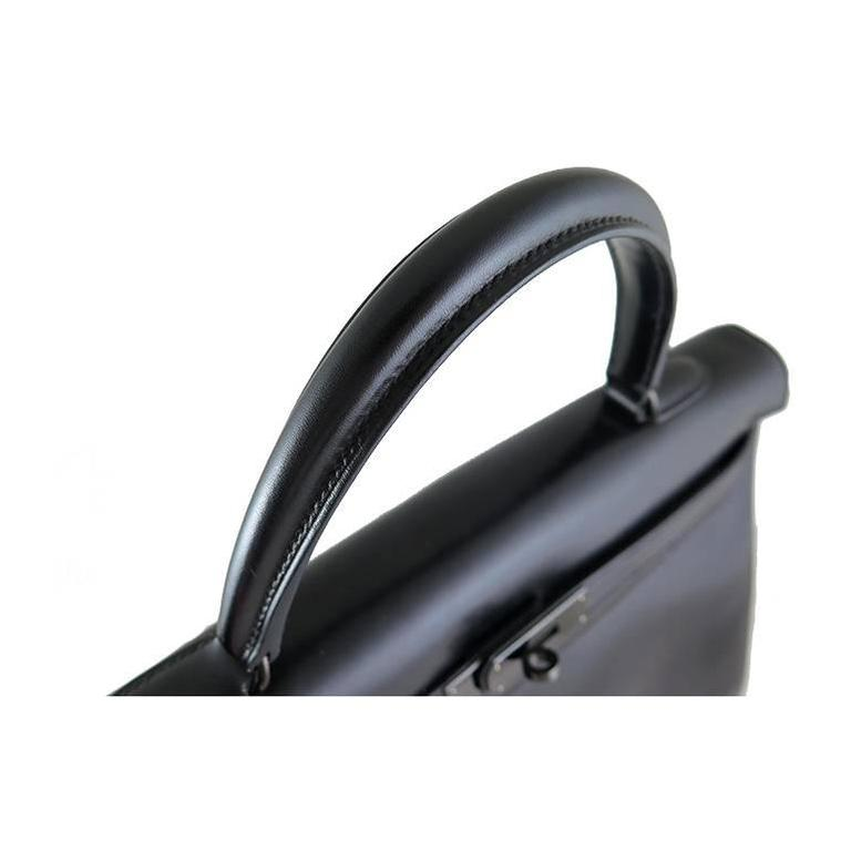 Hermes So Black Kelly 35 Boxcalf Leather Black Hardware - Rare In Excellent Condition For Sale In Singapore, SG