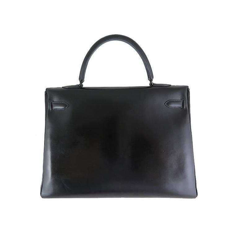 Extremely rare collector's item! Limited edition released only for autumn-winter 2010/2011 collection. This bag comes complete with black Hermes dustbag and pouch, clochette with lock, 2 keys and care card. Both interior and exterior is clean and