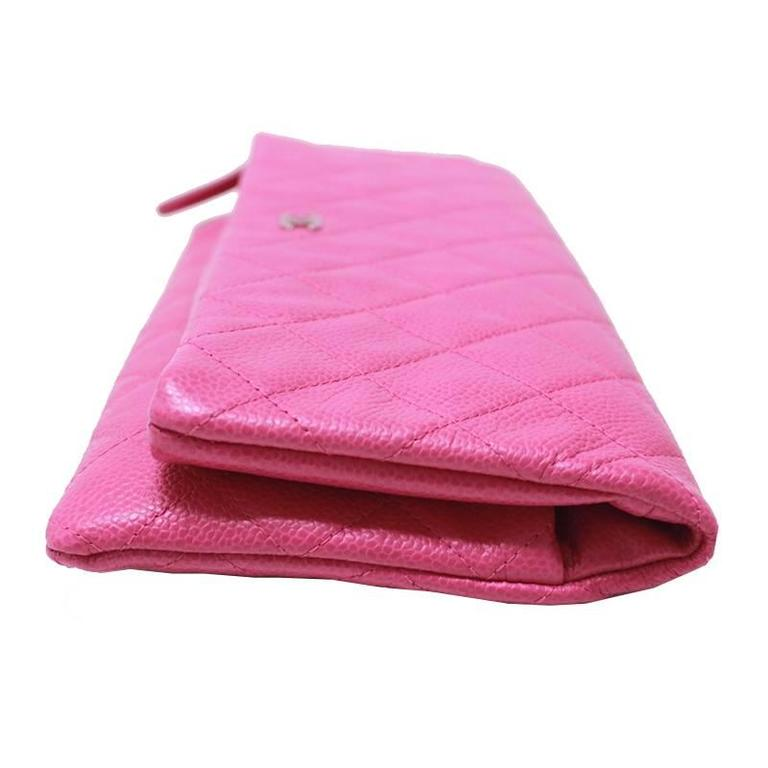 Chanel Pink Caviar Flap Medium Evening Clutch Purse In Excellent Condition For Sale In Singapore, SG