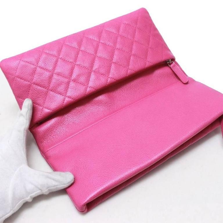 Women's Chanel Pink Caviar Flap Medium Evening Clutch Purse For Sale