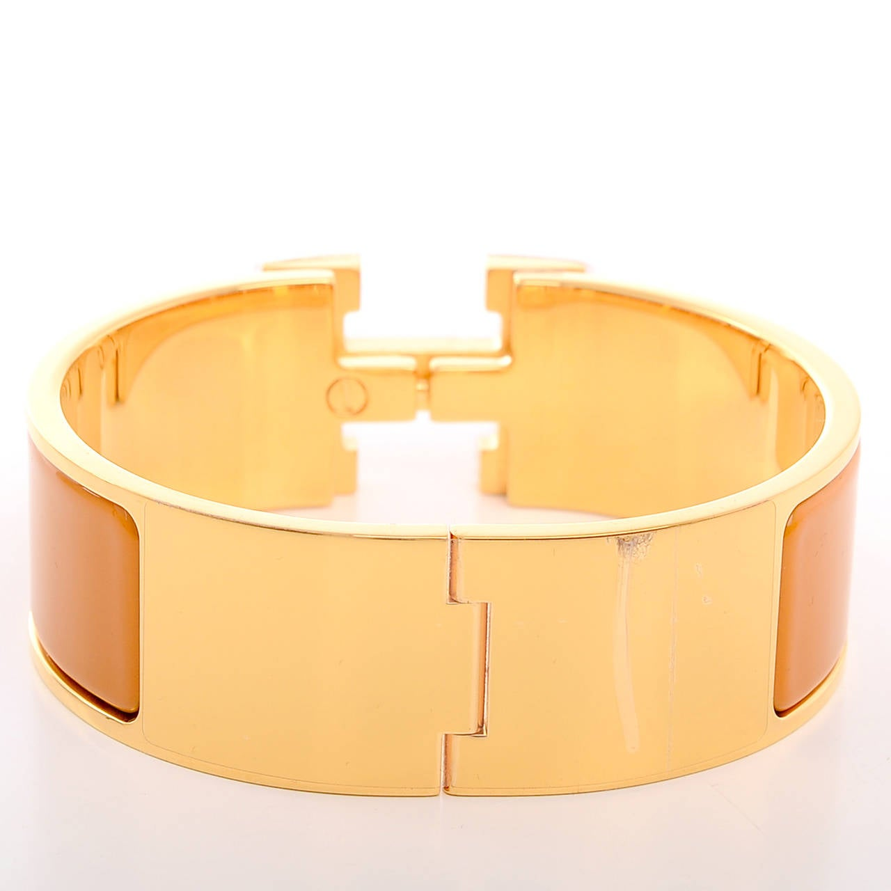 Hermes turmeric clic clac h wide enamel bracelet pm at 1stdibs for Housse clic clac new york