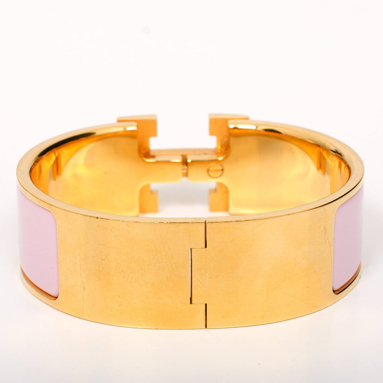 Hermes rose dragee clic clac h wide enamel bracelet pm at for Housse clic clac new york