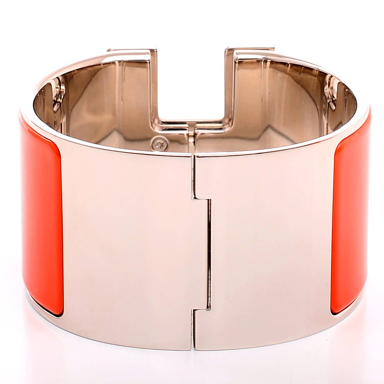 Hermes capucine white enamel h clic clac h extra wide for Housse clic clac new york