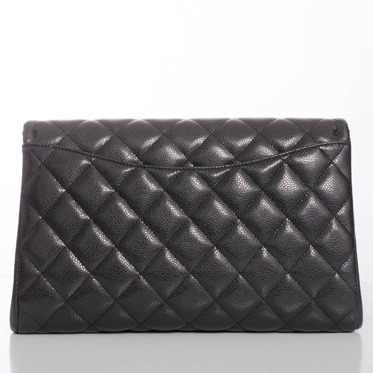Chanel Black Quilted Caviar New Clutch With Chain In New never worn Condition For Sale In New York, NY