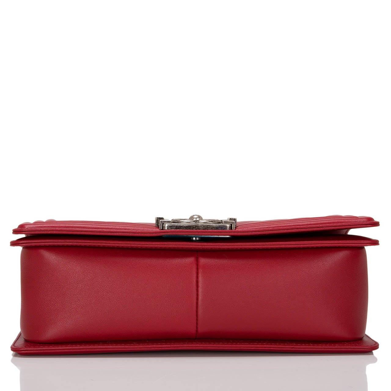Women's Chanel Red Chevron Medium Boy Bag For Sale