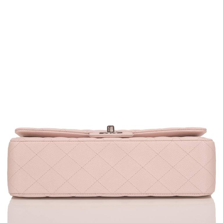 Chanel Light Pink Quilted Caviar Medium Classic Double Flap Bag In New Never_worn Condition For Sale In New York, NY
