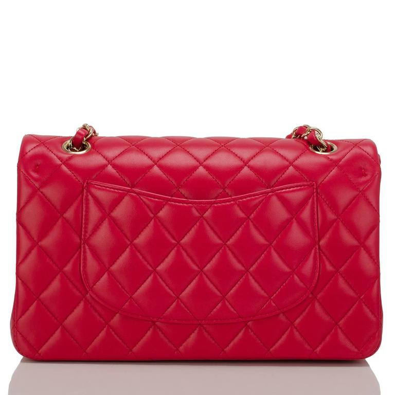 Chanel Red Quilted Lambskin Medium Classic Double Flap Bag In New never worn Condition For Sale In New York, NY
