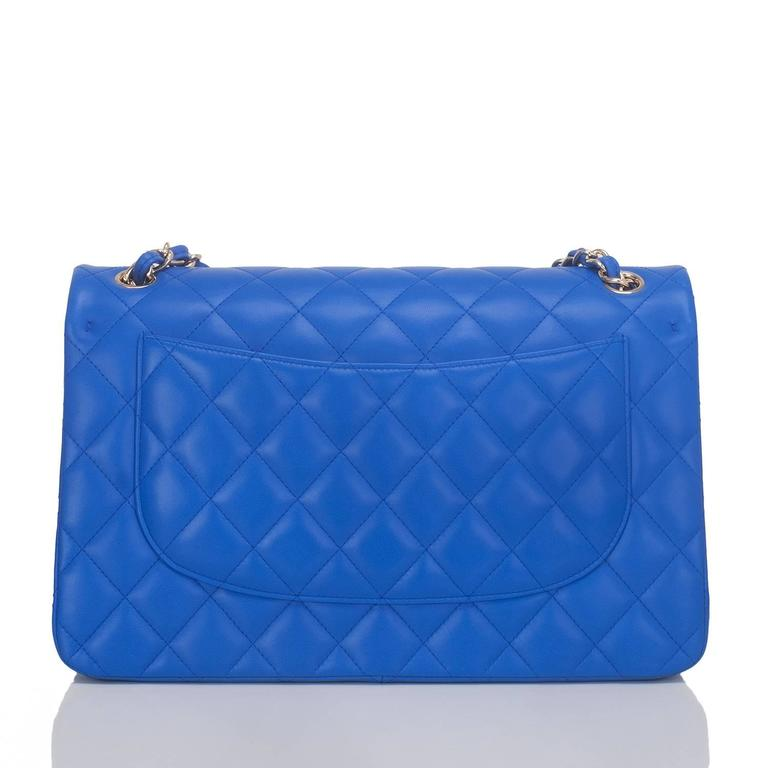 Chanel Blue Quilted Lambskin Jumbo Classic Double Flap Bag In New Never_worn Condition For Sale In New York, NY