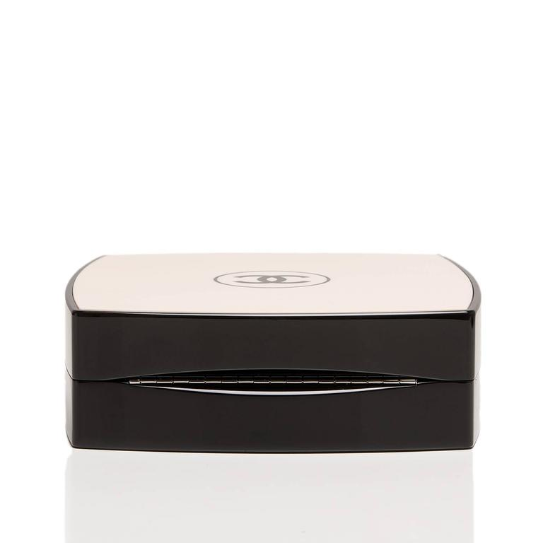 Women's Chanel White Compact Powder Minaudiere NEW For Sale