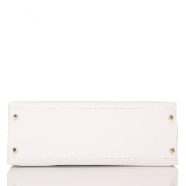 Hermes White Epsom Kelly Sellier 32cm Gold Hardware In New never worn Condition For Sale In New York, NY