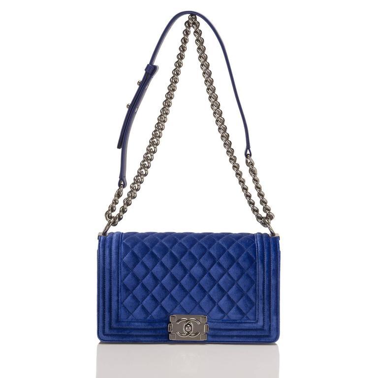 Women's Chanel Blue Quilted Velvet Medium Boy Shoulder Bag For Sale