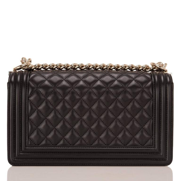 Chanel Black Quilted Lambskin Medium Boy Bag In New never worn Condition For Sale In New York, NY