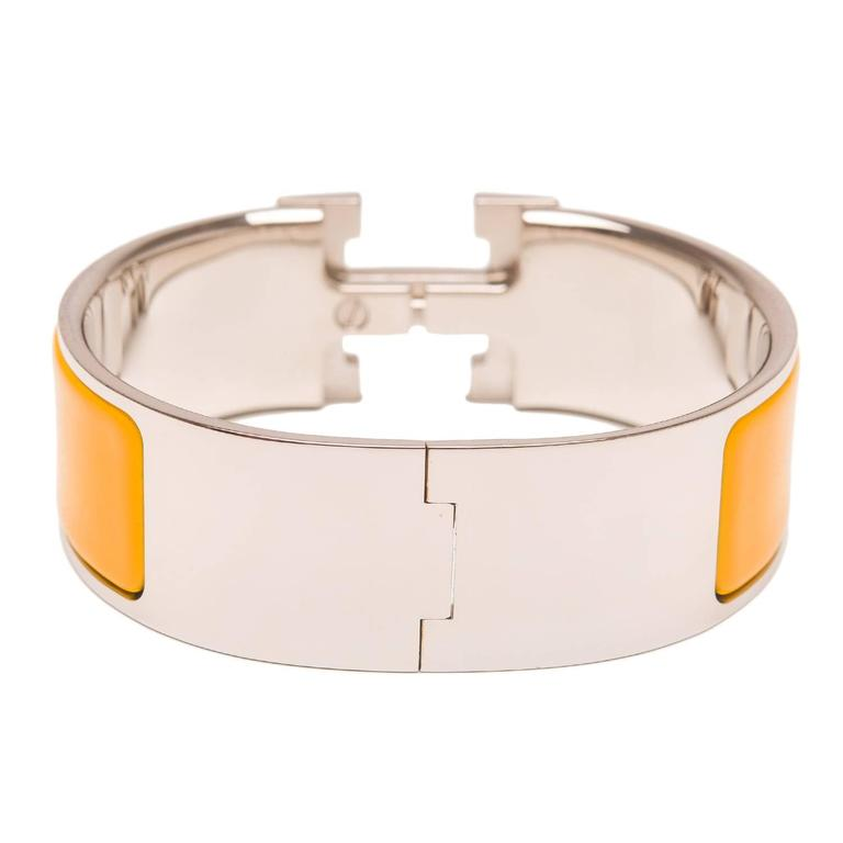 Hermes mimosa clic clac h wide enamel bracelet pm for sale for Housse clic clac new york