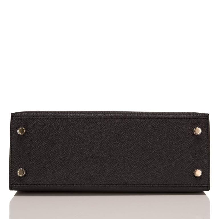 Women's Hermes Black Epsom Sellier Kelly 25cm Gold Hardware For Sale