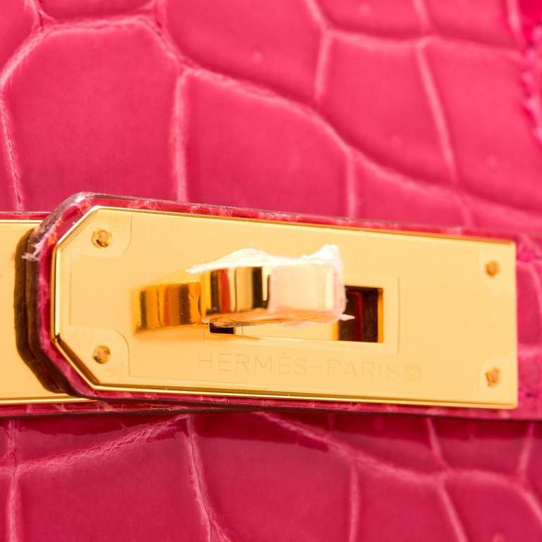 Women's Hermes Rose Tyrien Shiny Porosus Crocodile Birkin 35cm Gold Hardware For Sale